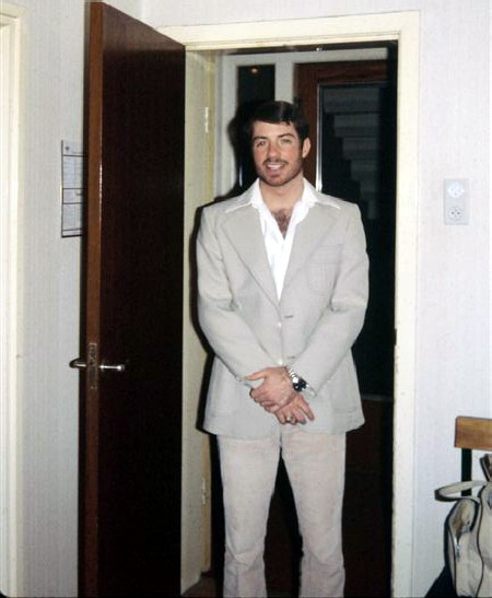Tom in leisure suit